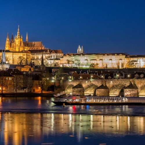 DINNER CRUISE (PRAGUE BY NIGHT)