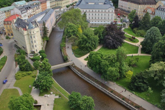 Karlovy Vary and Moser Factory Day Trip